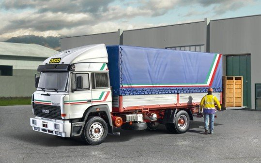 Italeri 3939 - 1/24 Iveco Turbostar 190-42 Canvas with elevator
