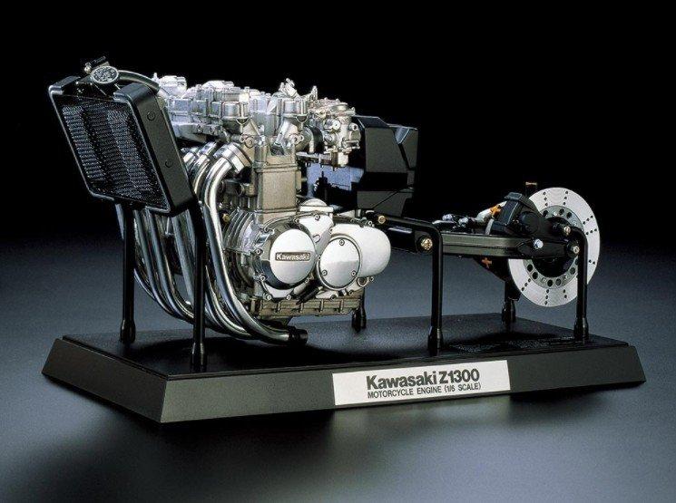 TAMIYA 1//6 Kawasaki Z1300 Motorcycle Engine Kit Not assembled